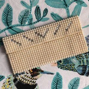 Vintage 1950's Pearl Clutch Bag